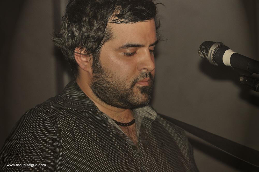 Julian - Piano Blau